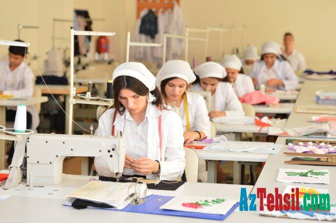 Peşə təhsili müəssisələrinə qəbulun ikinci mərhələsi davam edir