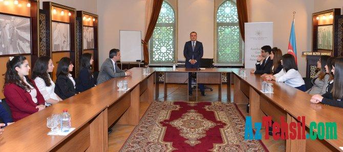 Təhsil naziri İsmayıllıda Azərbaycan Gənc Müəllimlər Assosiasiyasının üzvləri ilə görüşüb