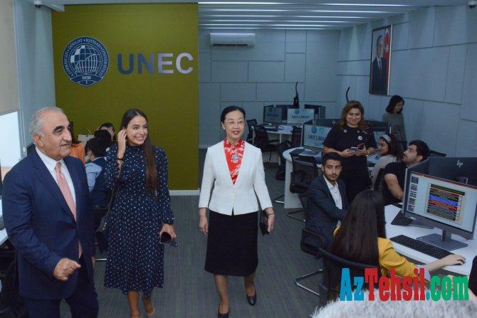 Leyla Əliyeva UNEC-də distant dərsləri izləyib