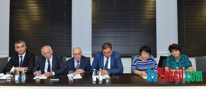 Təhsil Nazirliyi yanında İctimai Şuraya sədr seçiləcək  ,müavin və məsul katib bilinəcək