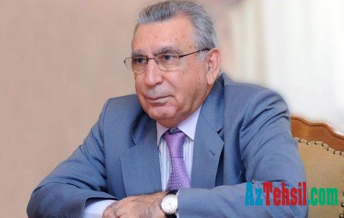 Prezident Ramiz Mehdiyevin xanımını və qızını təltif etdi