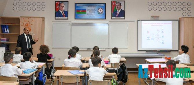 """""""Rəqəmsal bacarıqlar"""" layihəsi çərçivəsində informatika üzrə videodərslər"""