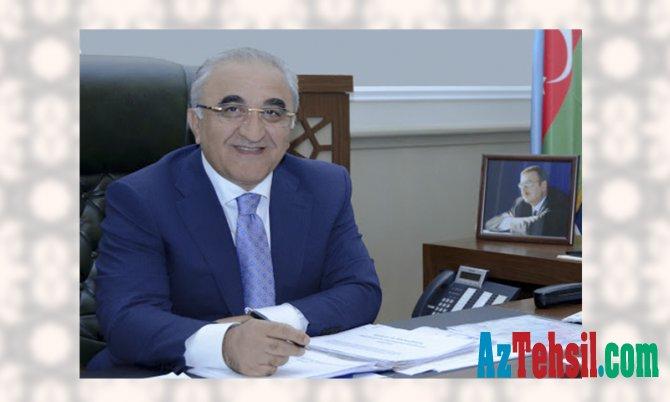 """""""Bir Cousera sertifikatı qazanan tələbə yalnız bir imtahandan azad oluna bilər"""""""