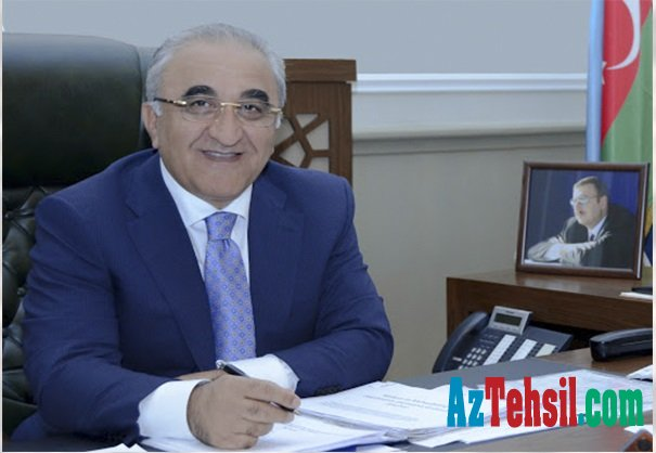 """""""Azərbaycan distan təhsil ixrac edən mərkəzə çevrilə bilər""""- Rektor Ədalət Muradov"""