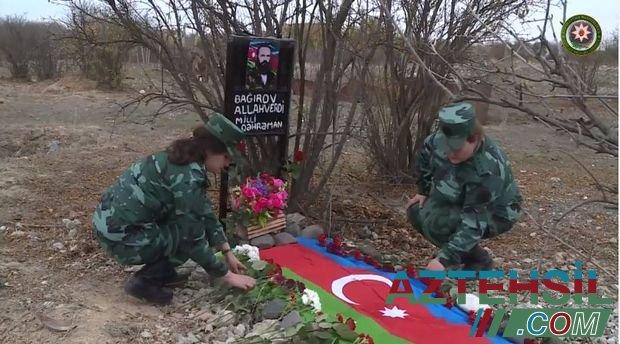 Əfsanəvi komandirin zabit qızları illər sonra atalarının Ağdamdakı məzarını ziyarət etdilər – VİDEO
