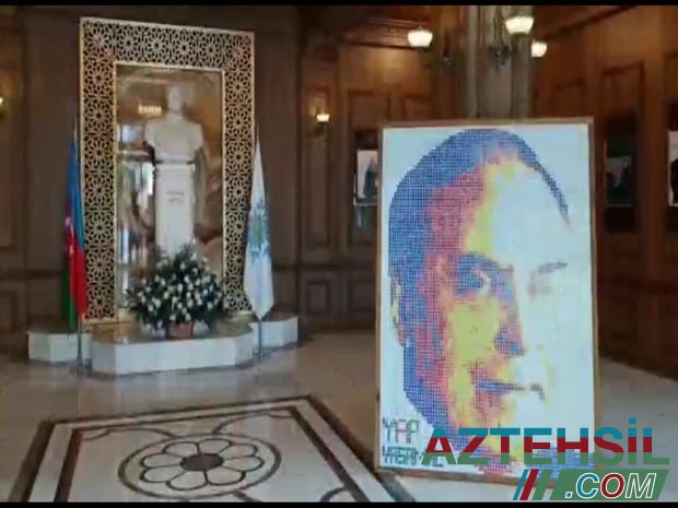 23 yaşlı gənc kubik-rubiklər vasitəsilə Ulu Öndərin portretini hazırladı - VİDEO