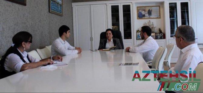 Rektor şəhid polkovnik İlqar Mirzəyevin oğlu ilə görüşüb