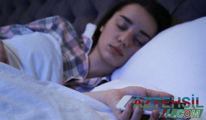 Smartfonu yatağınıza yaxın qoymayın - SƏBƏB