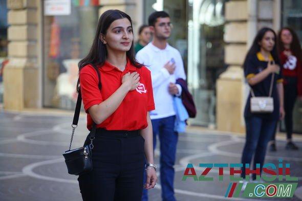 Azərbaycan könüllülərinin iştirakı ilə növbəti fləşmob keçirilib - FOTO